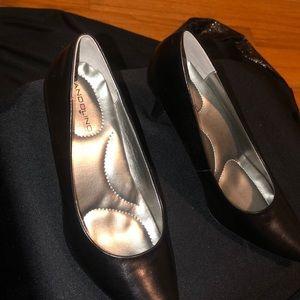 Black Comfort Heels *BRAND NEW*